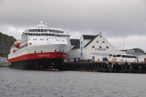 ENIGE: Hurtigruten ASA og Vestvågøy kommune er nå enige om anløpsavgiften.