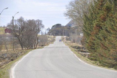 UKLART: Det er fortsatt ikke klart når arbeidet med gang- og sykkelvei mellom Gravdal og Ballstad kan starte opp. Her fra Skottnesmyrene