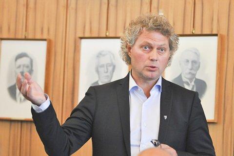 Ikke inhabil: Fylkesmannen i Nordland har vurdert påstander om habilitetsproblemer rundt kommunedirektør Tommy Stensvik og et husprosjekt i Åvika.