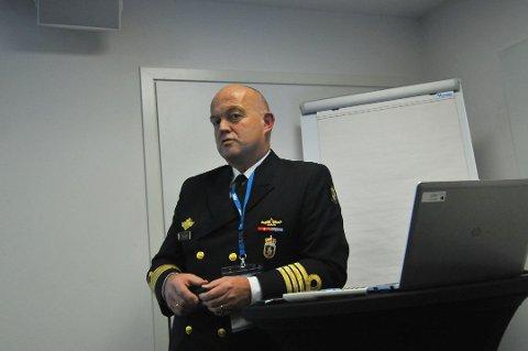 BEKYMRET:  Sjef i Kystvakten, flaggkommandør Ottar Haugen, er bekymret over mangel på helikopter