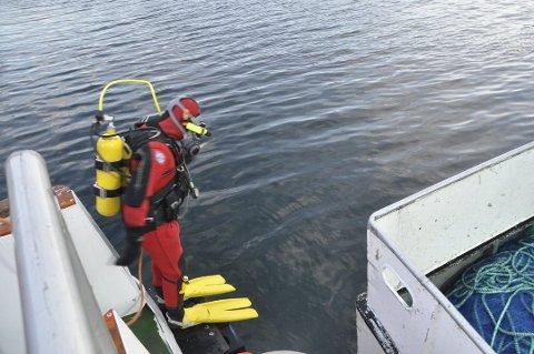 DYKKER: Redningsselskapet sier signalene fra Sjøfartsdirektoratet er positive, og de håper at de også i framtiden kan hjelpe fiskeflåten og andre som trenger dykkertjenester.
