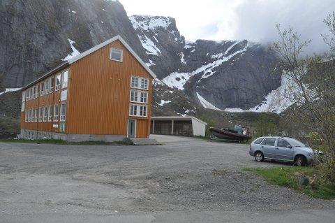 FORETREKKES: Dette er den mest aktuelle tomta for ny Coop-butikk i Moskenes. Foto: Magnar Johansen