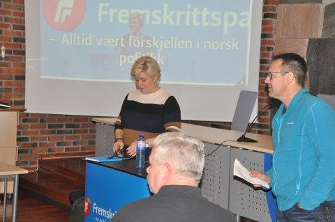 FIKK ROS: Frp-leder Siv Jensen roste leder Jim Andreassen og partiet for innsatsen i kommunestyret.