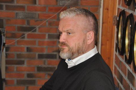 BØR SELGE: Fylkesmann Tom Cato Karlsen mener Moskenes bør selge næringsområder for å skaffe penger. Foto: Magnar Johansen