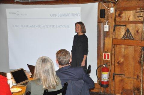 ADVARTE MOT SKATT: Line Ellingsen fikk gehør for advarslene mot ny skatt for oppdrettsnæringen under besøket i Lofotrådet i desember.