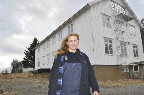 EGEN GRUPPE: Runhild Olsen er administrator av gruppen korona-dugnad i Moskenes. Nå jobbes det med å få på plass et yogatilbud.