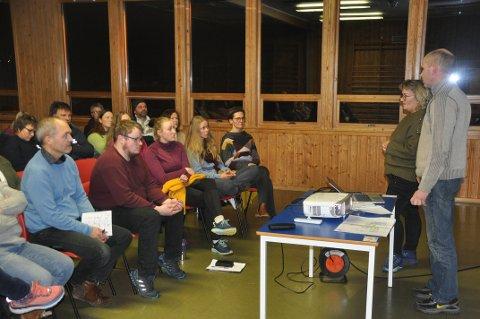 SKOLEDEBATT: I februar møtte kommuneledelsen og rektor innbyggere til informasjonsmøte om skoledriften i Flakstad etter flyttingen til Napp.