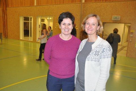 MOSKENES: - Skal vi bo her må vi skape vår egen arbeidsplass, sier Agata Gasior (t.h.). Her sammen med en annen Moskenes-gründer, Ingunn Rasmussen.