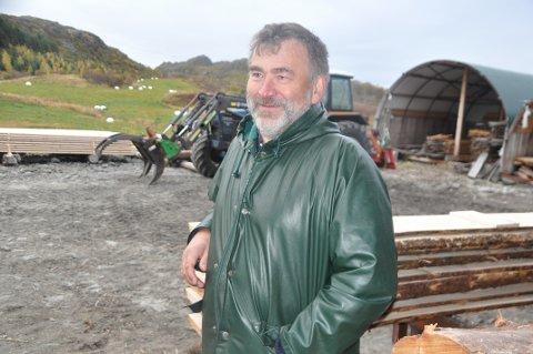 VANNKVALITET: Vannområdekoordinator i Lofoten, Are Johansen, håper å få Fylkesmannen med på å tilbakeføre Nesjestraumen i Vestvågøy til tilstanden før 1991.