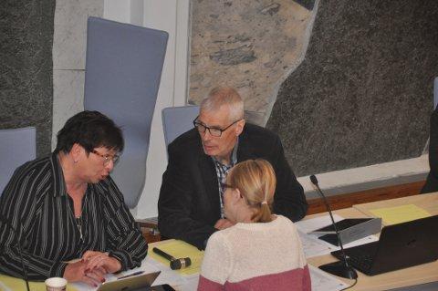PLAN I HAVN: Eva Karin Busch (t.v.), Einar Solvang og Bente Anita K. Solås var enig om det meste i forslaget til ny arealplan.
