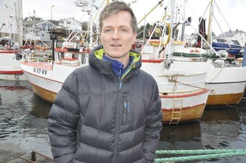 FISKEKVOTER: Leder Ørjan Sandnes og Vestvågøy Fiskarlag frykter økt sentralisering av fiskekvoter med regjeringens kvotemelding. Laget mener flere ordninger må konsekvensutredes.