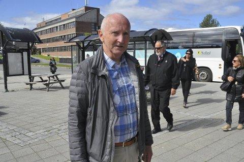 FORTSETTER: Søren Fredrik Voie får fornyet tillit fra Vestvågøy.