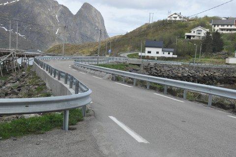 MOSKENES-VEI: Statens vegvesen vil utbedre E 10 i Valen, som vil inkludere flytting av fiskehjeller. Det er grunneieren lite fornøyd med.