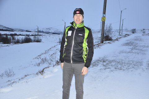 OPPGITT: Leder i Leknes skiklubb, Inge-Harald Olsen, forteller at han selv var på vei til skiområdet søndag kveld og så sporene etter bilen.