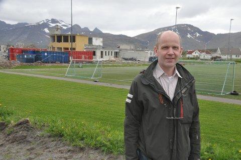 SKOLEBYGG: Flakstad-ordfører Trond Kroken.