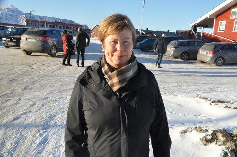 FISKERIHAVNER: Stortingsrepresentant Siv Mossleth (Sp) mener flere fiskerihavner i Nordland må prioriteres i ny NTP. Her fra et tidligere besøk på Ramberg. Arkivfoto: Magnar Johansen