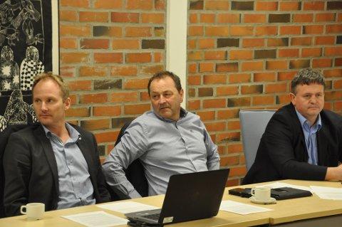 BOMPENGER: Remi Solberg, Frank Johnsen og Eivind Holst er enige. - Bompenger er viktig for å vise hvor høyt en region prioriterer veiutbedring. Arkivfoto: Magnar Johansen