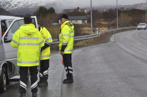 KONTROLL: Statens vegvesen er stadig ute å kontrollere trafikken. Alt for å øke trafikksikkerheten.