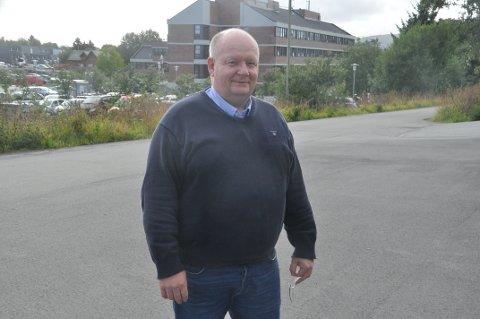 LOFOT-LØFT: Leder Reidar Samuelsen i Vestvågøy Høyre mener mulighetene større flyplass og innkorting av E10 gir Lofoten må løftes høyere opp i debatten. Foto: Magnar Johansen