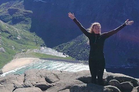 Sykepleier Kristina Møller Christiansen (29) er ny avdelingsleder/avdelingssykepleier for hjemmesykepleien i Moskenes, og for serviceboligene på Sørvågen.