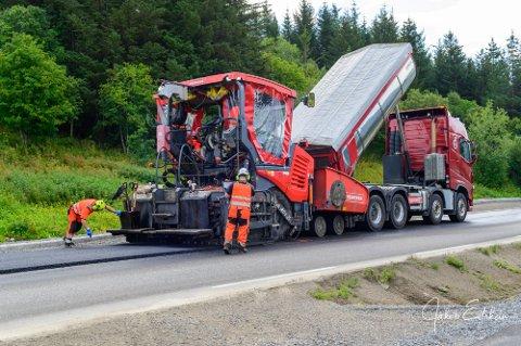 Asfaltering Ballstad Fv818.