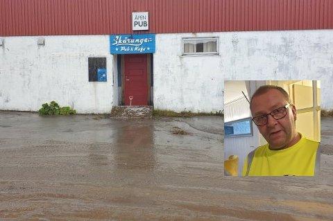 «Bror» Edgar Larsen (52) berget grendehuset i Sund fra oversvømmelse.