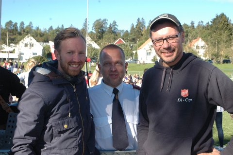 FORNØYD: Knut Erlend Hjorth-Johansen (t.v.), Anders Skoland og Hilding Runar i Frelsesarmeen var fornøyd med turneringen og hadde en fin fotballhelg på Jeløy.