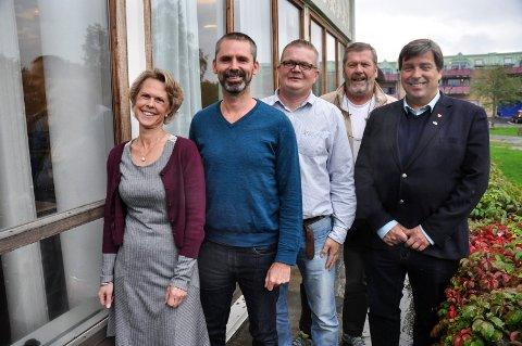 Disse  skal styre Vestby: F.v. Tone Skretting (Sp), Arjo Van Genderen (V), Ronny Kjønsø (SV), kommende ordfører Tom A. Ludvigsen (Ap) og John Ødbehr (H).