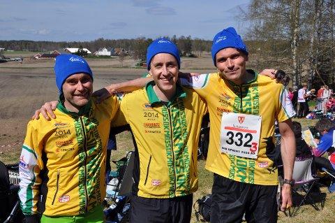 GODE: Øystein Olsen, Øyvind Løken og Hallvard Koren i H130-klassen fikk sine luer.