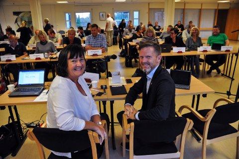 SKAL SY SAMMEN: Nemndas nestleder Inger Lise Skartlien og leder Tage Pettersen.