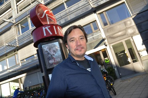 15 ÅR TIL: Tony Fjærgård og SF Kino er glad for avtalen om fortsatt kinodrift i Møllebyen.