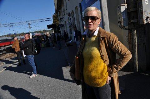 GA OPP: Marianne Guttormsen ga opp å komme seg til Oslo mandag morgen, etter å ha brukt to timer fra Fredrikstad til Moss.