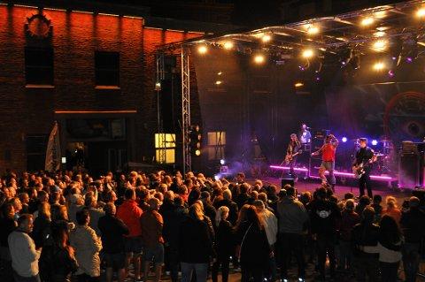 ROCKET PÅ VERKET: Turbonegro rocket på scenen under Festivalen Sin.