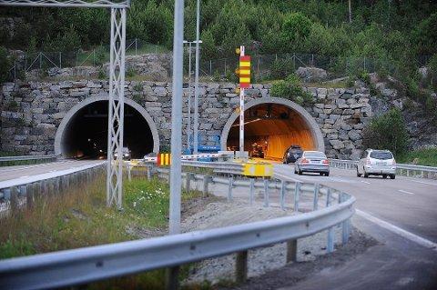 STENGT: Follotunnelen i Vestby i Viken ble stengt i ett felt retning Moss torsdag formiddag. Illustrasjonsfoto.