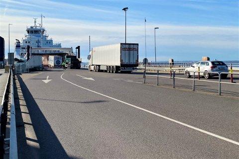 FORSINKELSER: Bastø Fosen har hatt forsinkelser som følge av strømbruddet tirsdag morgen. Utover formiddagen går trafikken mer og mer som normalt.