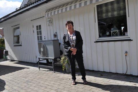 FREKT TYVERI: Inger Hanssen synes det er toppen av frekkhet at noen har tatt utemøblene hennes som var satt opp tett inntil huset.