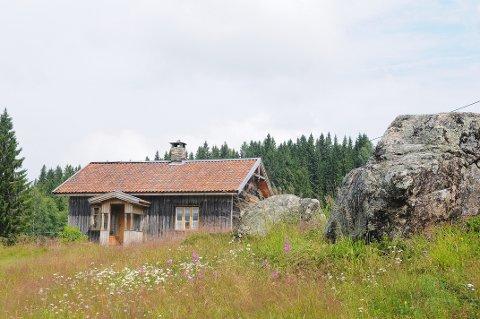 På jakt: NRK er på jakt etter småbruk, blant annet i Aurskog-Høland. Bildet viser finneplassen Mikkelrud på Mangen og er brukt som illustrasjon.