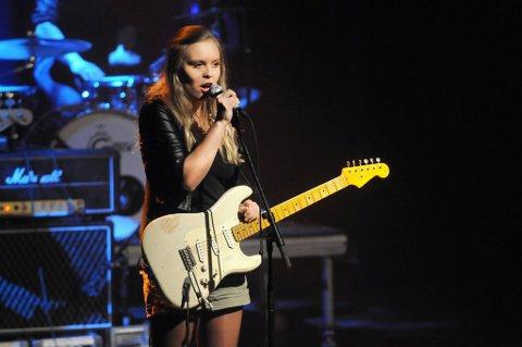 STOR ANERKJENNELSE: Tora Dahle Aagård ble tildelt stipend på 40.000 kroner under Adresseavisens nyttårskonsert i Trondheim fredag kveld.