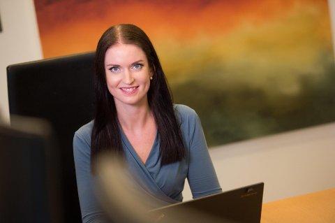 Anne Motzfeldt, finansiell rådgiver i Danske Bank, viser til at folk faktisk kan sørge for å betale mindre i skatt ved å gå inn på Skatteetatens nettsider og justere skattebeløpet der.