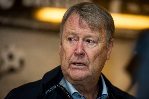 RBK-trener Åge Hareide mener all internasjonal fotball bør settes på pause.