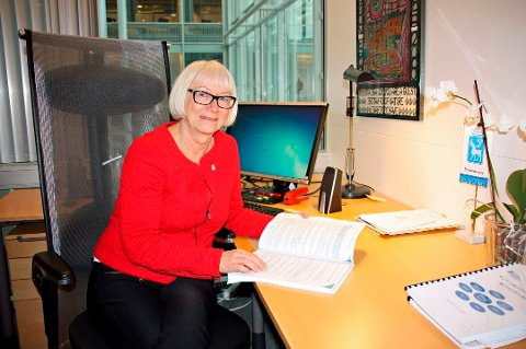 SVIKT: Gunhild Johansen (SV), leder Helse og velferdsutvalget i Tromsø kommune. Hun mener at familien som risikerer å stå uten bolig, må få utsatt fristen for å flytte hvis det har skjedd en svikt i Tromsø kommune.