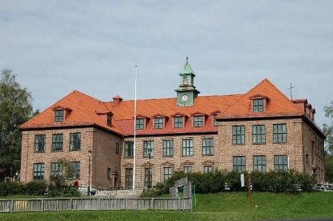 STYKKES OPP: Skolestartere på Østensjø de neste tre årene må begynne på Godlia skole. Når Østensjø skole etter planen er ferdig utvidet i 2019, får disse elevene ifølge Utdanningsetaten flytte tilbake til Østensjø skole.
