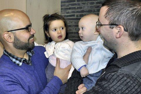 TOK SEG EN PRAT: Breno, Maya, Aron og Adam fant tonen på flyktningefesten i Bøler kirke i regi av Hjerterom i Østensjø lørdag 13. februar.  ALLE FOTO: KIRSTI NÆSS