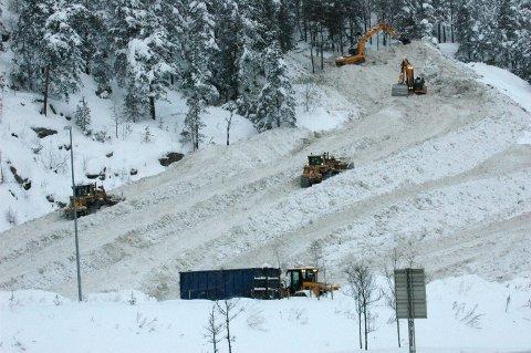 ÅSLAND: Oslo kommune jobber med løsninger for mottak av snø i hovedstaden. Den anbefalte løsningen per i dag er et oppgradert mottak på Åsland, i kombinasjon med andre mindre smelteanlegg. Arkivfoto