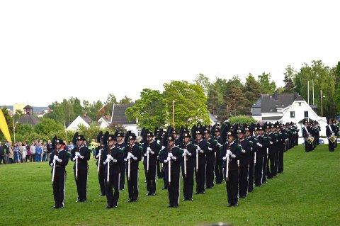 HM Kongens Gardes musikk- og drilltropp tar igjen turen til Skøyenkvelden. Her fra i fjor.