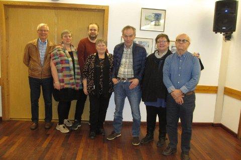 NYTT STYRE: Knut Elgsaas (fra venstre), Maibritt Christensen, Fredrik Gullerud, Randi Vollmerhaus, Svein Arne Jentoft, Nina Johannesen og Kåre Andersen. Steinar Burås og Gina Øverås var ikke til stede.