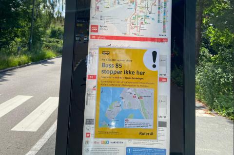 Ruter jobber med å informere om ruteendringen på de rammede holdeplassene.