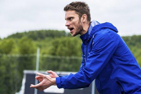 TUNG TID: FK Senja og trener David Lundblad sliter i motgang. Lørdag tapte laget sin femte kamp i løpet av de seks siste.