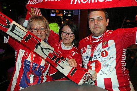 Gerd Pedersen, Linn Olsen og Martin Eriksen har trua på at TIL skal slå Viking søndag.