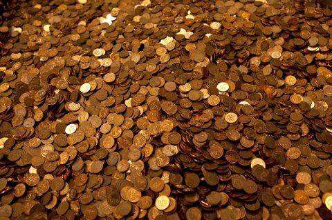 HØY VERDI: Gamle mynter kan ha høy verdi. Se hva oengene er verdt.  Foto: Morten Holm / NTB scanpix